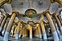 Sala Hipstila - HDR (Ender079) Tags: barcelona parque people raw gente mosaic columns sala fisheye gaudi parc hdr peleng columnas parkgell 9exp aplusphoto peleng8mm35fisheye canoneos450d 2151050051152