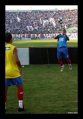 Fly boy! (Betto Adami) Tags: brazil brasil digital canon eos rebel vitria bahia salvador esporte clube estdio futebol xsi indgena bavi seleo pituau 450d baxvi bamor imbatveis