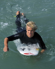 Julian Wilson (ScottS101) Tags: california male celebrity cali surf waves pacific surfer huntington australian australia competition surfing professional teen blond surfboard pro athletes aussie athlete celeb olas hb wetsuit ola competitor surfista beachwave huntingtonbeach allrightsreserved