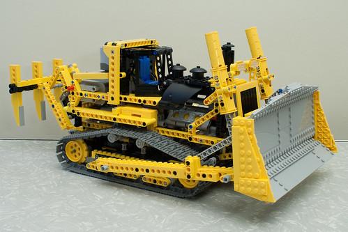 Lego Motorised Bulldozer (8275)