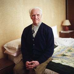 (Salva Lpez) Tags: portrait 6x6 rolleiflex bed bedroom 26 grandfather medium format portra abuelo dormitorio roig 160nc mxevs rertato