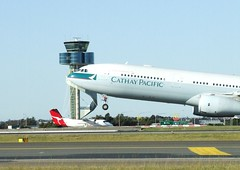 Cathay Pacific Early Birds' Promotion Till 13 June 2012