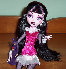 Monster Toy Series Draculaura (Veni Vidi Dolli) Tags: dolls mattel monsterhigh draculaura