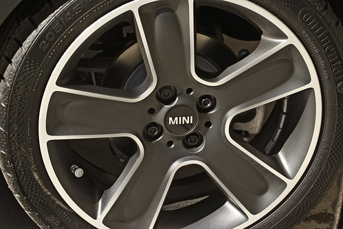 runflat tires on the R57