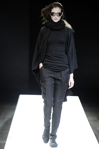 Pleated Black Trousers 6