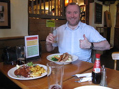 Jamie Approves of His Pub Lunch