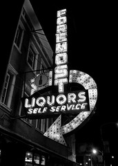 Foremost Liquors neon sign (William 74) Tags: blackandwhite chicago building sign night store neon uptown liquors foremost foremostliquors