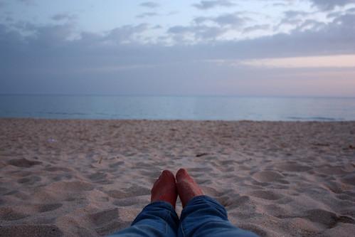 na praia ao fim do dia