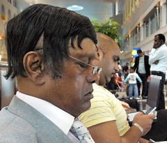 The bald and the wig (Bn) Tags: dubai bald wig dubaiinternationalairport toupet parrucca busiestairport endofourholiday thebaldandthewig majoraviationhub