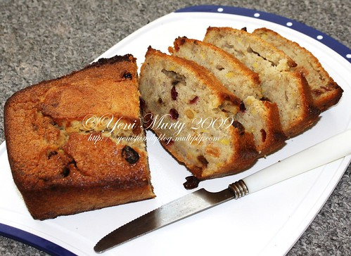 Raisin banana Bread 1