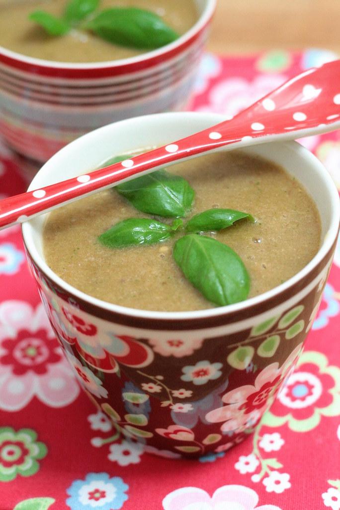 Soupe de tomate au basilic