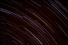 N O W! this is a startrail! (with plane-trail included) (tom )() Tags: sky night del plane canon stars star noche shots south stack cielo estrellas sur stacked avion laplata 138 startrail tomd timelaps curz xti 400d tomduca