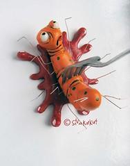 cake topper (Silvia Karkut) Tags: orange bug fun death blood gabel fork fimo caketopper tod käfer blut deko dekoration spas supersculpey unikat scukpey