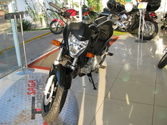 IMG_0340 (motosBrasil) Tags: preta cb 300r