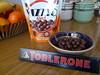 Para después de comer!!! (juannypg) Tags: food argentina frutas postre comida chocolates bananas rosario invierno frío toblerone platanos mandarinas morfi goloso vizzio glotón