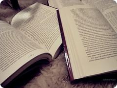 Desligue a Tv e v ler um livro. (@jackeliiine) Tags: tv crepusculo livros ler leitura stepheniemeyer luanova ameninaqueroubavalivros