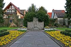 WWI Memorial (Munkeyspasm) Tags: for