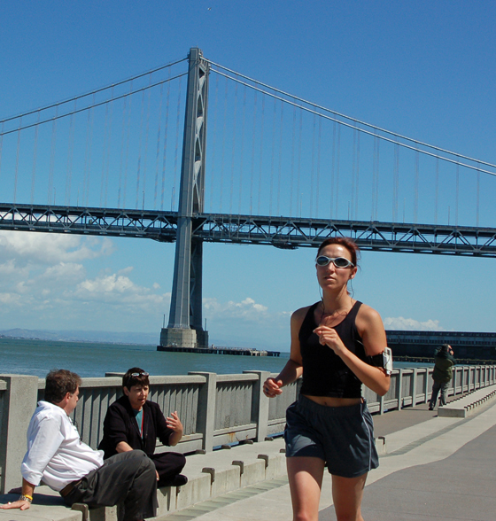 5woman-runner-bay-bridge.jpg