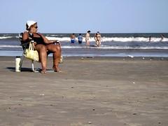 mateando en la playa