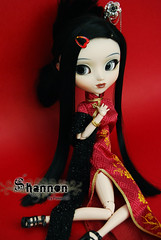 Shannon - Pullip Cinciallegra (-Poison Girl-) Tags: red white black girl doll dolls chinese shannon wig pullip pullips poisongirl obitsu junplanning rewigged obitsubody sbhm pullipcinciallegra