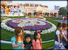 Visitors of Tokyo Disneyland (CTPPIX.com) Tags: trip travel flowers boy vacation people cute girl beautiful beauty smile goofy japan kids pose garden children asian japanese tokyo kid asia pretty fuji child anniversary disneyland culture statues ct disney mickey donald 25 finepix kawaii fujifilm nippon pluto ctp minnie peacesign visitor japanesegirls japon s700 25thanniversary asiangirl japanesegirl poz asianwoman asiangirls japanesewoman japonya tokyodisney phototime asianchild japanesechildren s5700 ctpehlivan christpehlivan ctppix
