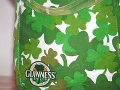 My Raggedy old Guinness Purse (Lea and Luna) Tags: camo guinness purse 365 shamrock onedayatatime reversable project365 daytwohundredandtwentyone theothersideisallgreen butitstillhastheguinnesslogo