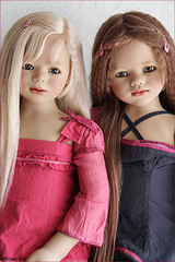 Sini and Ajescha (MiriamBJDolls) Tags: doll vinyl 2008 limitededition sini annettehimstedt himstedtkinder summerkinder ajescha