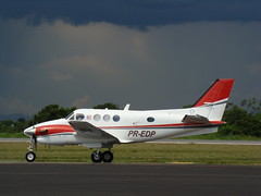 RAYTHEON AIRCRAFT BEECHCRAFT BEECH KING AIR C90B SBCY (JONES CESAR DALAZEN) Tags: brazil brasil plane airplane jones photo airport nice king foto shot aircraft aviation sony air wing picture aeroporto turbo cesar asa airports avio beechcraft raytheon executive flugzeug propeller mato beech prop aeroplan avion turboprop aviao grosso tecnologia vliegtuig  cuiab hlice spotter kng h7 pt6 hegazkin aircraf  c90b aeropl   sbcy dalazen   tyyar   hegazkinaren