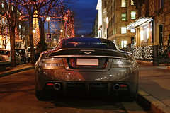 Aston Martin DBS - Paris ([ JR ]) Tags: christmas xmas sunset paris night grey martin noel be 333 soir nuit aston dbs v12 plazza grise athne fialeix