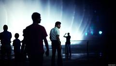 Capolinea | 113.365 (Stephan Geyer) Tags: street blue light people water fountain silhouette canon dark dubai shadows dof bokeh candid 85mm 5d canon5d burjdubai canoneos5d project365 8512 85l ef85mmf12lusm 5dclassic canon5dclassic
