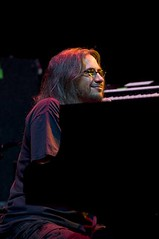 Jeff Chimenti of Ratdog & The Dead on 4/14/09 at the Verizon Center, Washington, D.C.