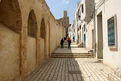 Medina Walls, Sousse, Tunisia, North Africa (curreyuk) Tags: blue building northafrica tunisia medina sousse susa tunisie susah ribat currey sosah platinumheartaward grahamcurrey theperfectphotographer curreyuk peachofashot