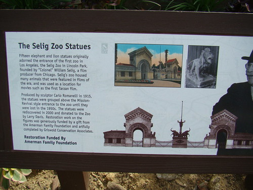Selig Zoo Statues information
