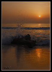 _MG_7604-Calma salpicada. (vipuchol) Tags: paisajes mar playa amanecer canon1740 salpicadura canon40d