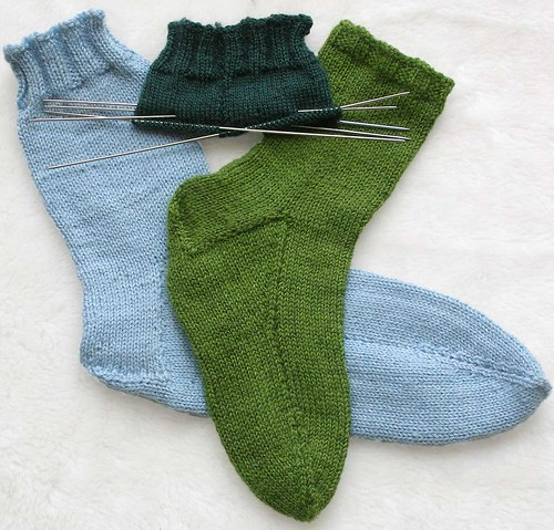 * Its a simple sock, but the picture was too gorgeous to pass up!  :D