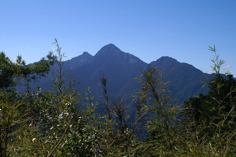 南湖大山day2-36 眺望中央尖山