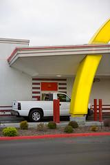 pick-up, window (ezeiza) Tags: california food sign restaurant golden fastfood fast arches mcdonalds salinas drivethru drivethrough goldenarches