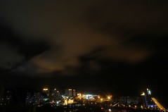 Zhuhai - Jiuzhou Port at night (cnmark) Tags: china city light night clouds port landscape geotagged boats noche harbor moving cityscape wind nacht harbour ships scenic cranes explore guangdong noite  nuit notte zhuhai southchinasea pearlriver nachtaufnahme   explored allrightsreserved jiuzhou jida jiuzhouport  geo:lon=113571618 holidayresorthotel geo:lat=22239432