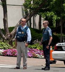 Secret Service Chats Up Local Police by dissolved, on Flickr