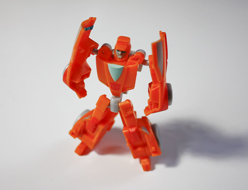 TF Universe Legends Wheelie