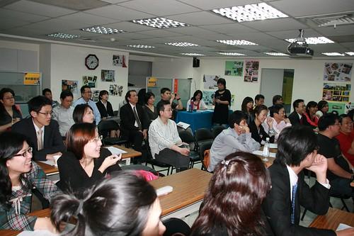你拍攝的 20090319益讀俱樂部_鄭匡宇就是愛被罵033.jpg。