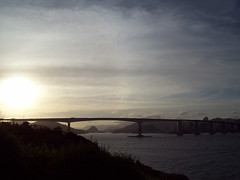 Terceira Ponte (Camila Geek Girl) Tags: bridge light sunset sea sky sun luz sol landscape mar do paisagem cu ponte prdosol    ceu    vilavelha  pr    terceiraponte