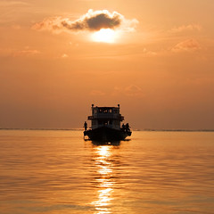 Sunset cruise (Mollow2) Tags: sunset boat maldives baros canonefs1785mmf456isusm canoneos40d