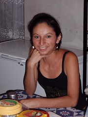 Una maestra - Teacher; Cololaca, Honduras (Lon&Queta) Tags: people latinamerica portraits pretty honduras bonita gps guapa centralamerica 2007 américalatina lempira cololaca