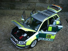 1:18 Irish Ambulance Service - Audi RS4 Rapid Response Car (alan215067code3models) Tags: irish 3 car code ambulance service audi rapid rs4 response 118