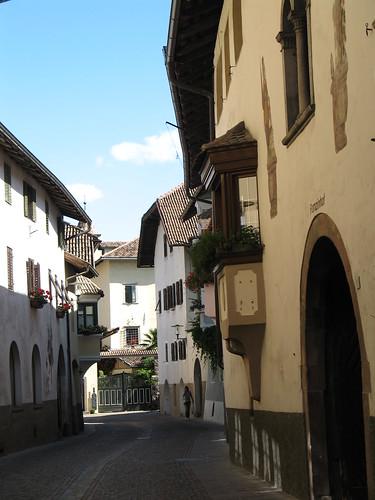 Die malerische Gasse von St. Pauls - sie verbindet das Unterdorf mit dem Oberdorf