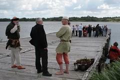 Wulf Freese und Reinhard Erichsen auf der Landebrücke in Haithabu - Museumsfreifläche Wikinger Museum Haithabu WHH 27-05-2009