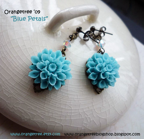 blue petals earrings