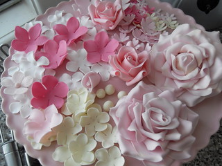 Sugar flowers by Cotton and Crumbs