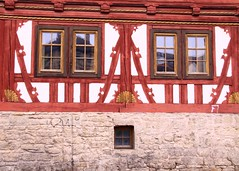 (:Linda:) Tags: window architecture germany four town timber fenster thuringia vier halftimbered fachwerk meiningen fachwerkhaus 2x2 timberframing wildermann rocaille timberconstruction